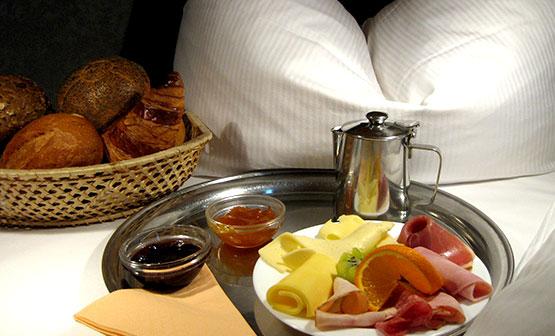 Süße Versuchung in ihrem Hotel am Hermanplatz. Hotel in Neukölln und Kreuzberg